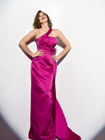 Платье с бретелью на одно плечо