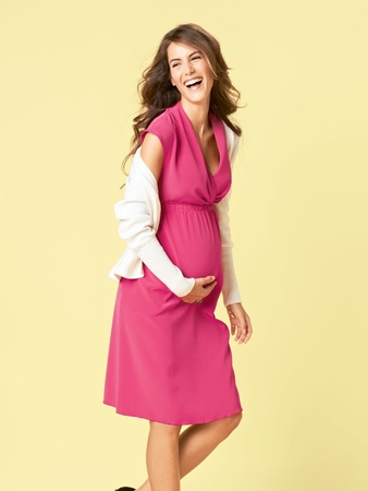 eb36743af52 Платье с глубоким V-образным вырезом - выкройка № 121 из журнала 1 ...