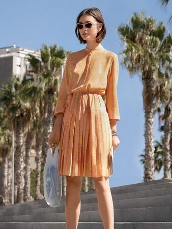 Платье с отрезной юбкой плиссе