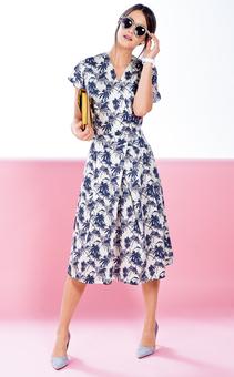 Платье с запахом и цельнокроеными рукавами
