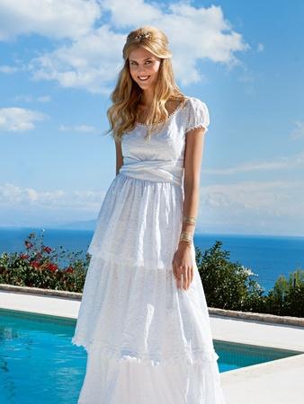 Платье со ступенчатой юбкой