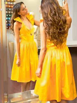 Платье с бретелью-петлей