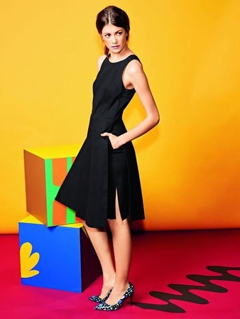 Платье с декольте на спинке