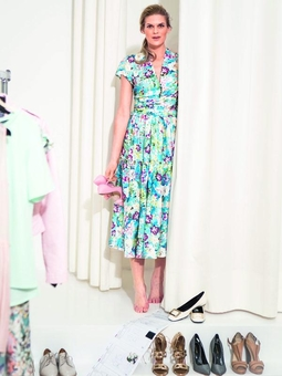 Платье с рукавами реглан
