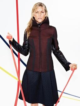Куртка с высоким воротником-стойкой