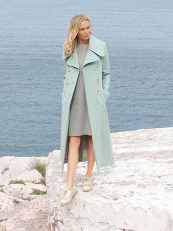Пальто двубортное