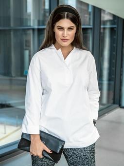 Блуза свободного кроя с застежкой поло