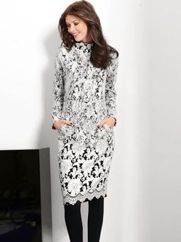 Платье с рельефными швами