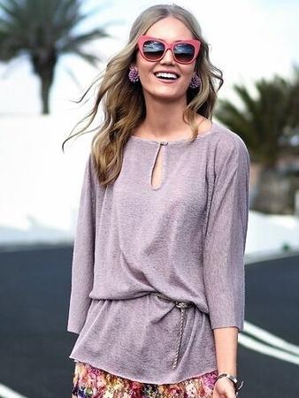 Блуза с широкими цельнокроеными рукавами