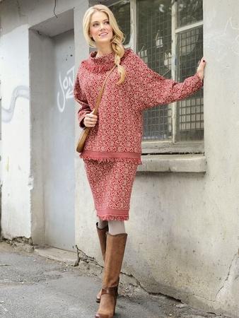 Свитер «летучая мышь» и юбка-карандаш