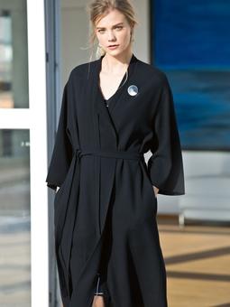 Пальто с широкими рукавами