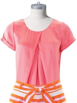 Блузка со встречными складками