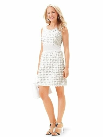 Платье-футляр расклешенного силуэта