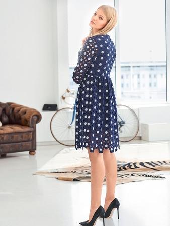 0d7f79a5ff9 Платье из кружевного полотна - выкройка № 2 D из журнала 2 2016 ...