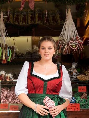 Блузка в баварском стиле