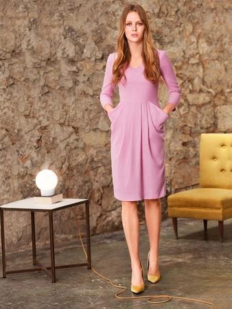 Платье с цельнокроеными карманами
