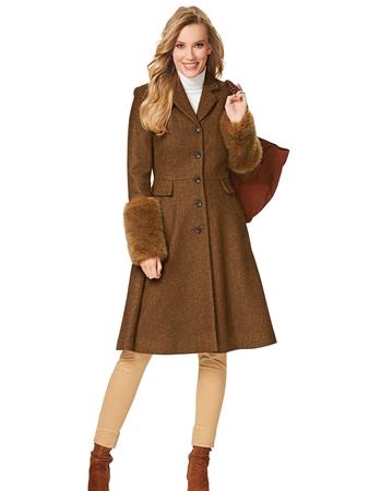 Пальто приталенного силуэта