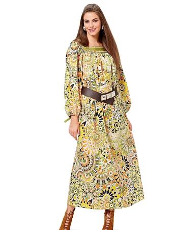 Платье с квадратным вырезом горловины