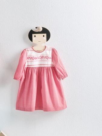 Платье с пышной юбочкой и рукавами