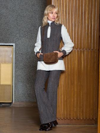 Костюм: удлиненный жакет и брюки