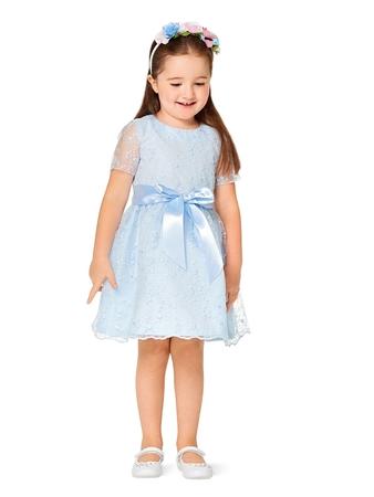 Нарядное платье из кружева