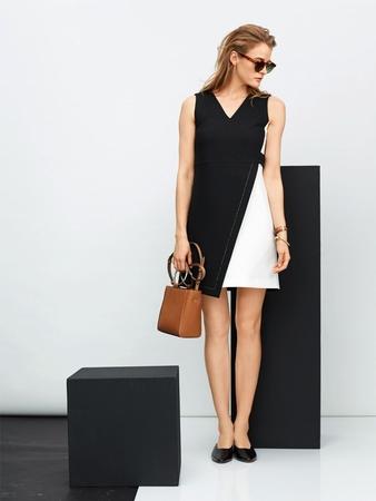 Платье А-силуэта в стиле колор-блокинг