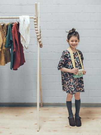 Детское расклешенное платье с цельнокроеными рукавами