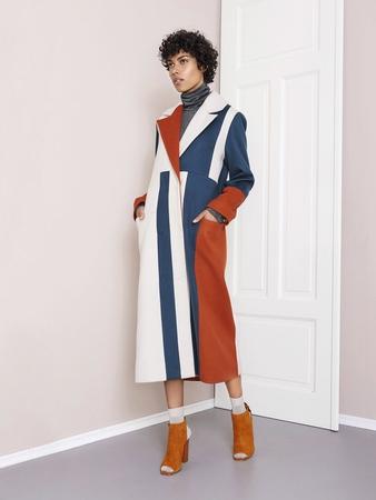 Пальто в стиле колор-блокинг от Mykke Hofmann