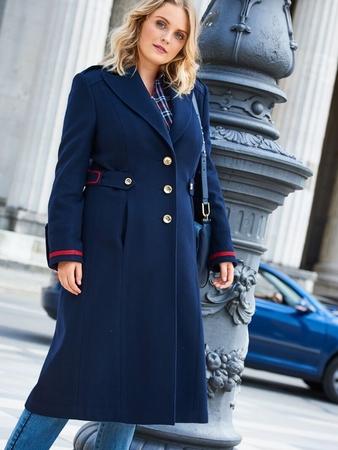 Пальто в армейском стиле