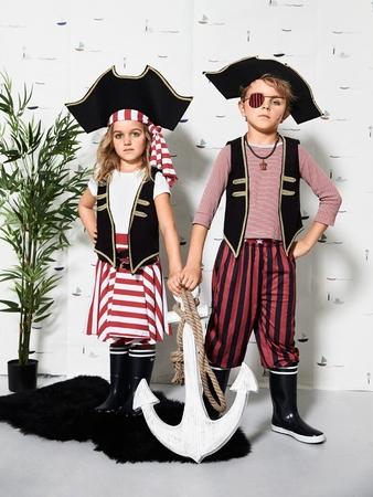 Маскарадный костюм «Пират и подружка пирата»