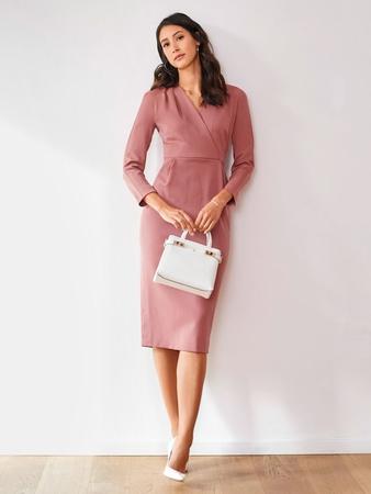 46968caad8251a3 Платье с цельнокроеными рукавами - выкройка № 122 из журнала 1/2018 ...