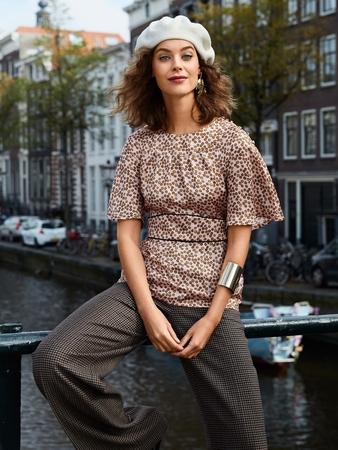 Блузка с втачным поясом