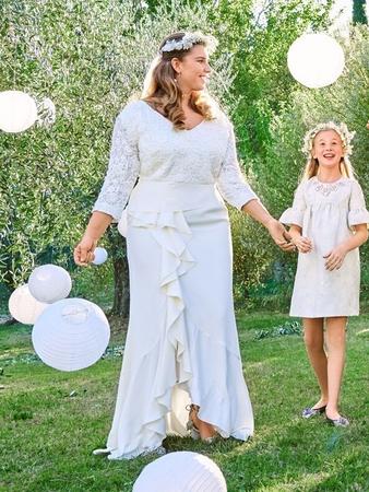 Платье невесты с V-вырезом