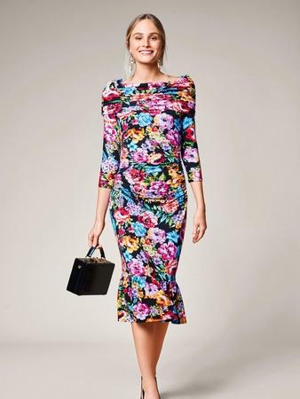 Платье с пышной оборкой внизу