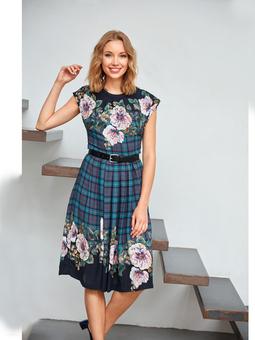 Платье с узким лифом