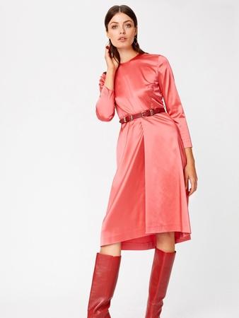 Платье с асимметричной юбкой