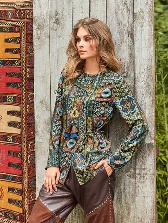 Блузка с отстроченными складками