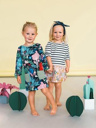 Детское платье с накладными карманами