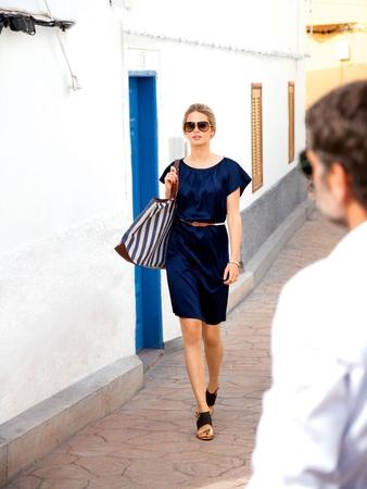 Шёлковое платье с прорезными карманами