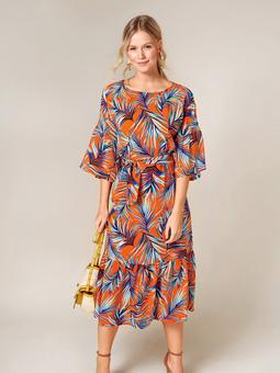 Платье с объёмными оборками на рукавах
