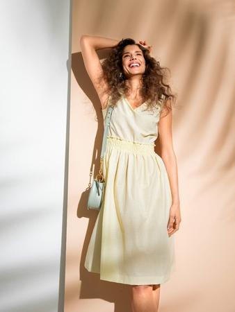 Платье с буфами