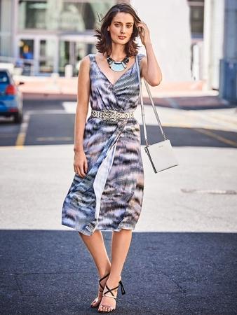 Платье с иллюзией запаха