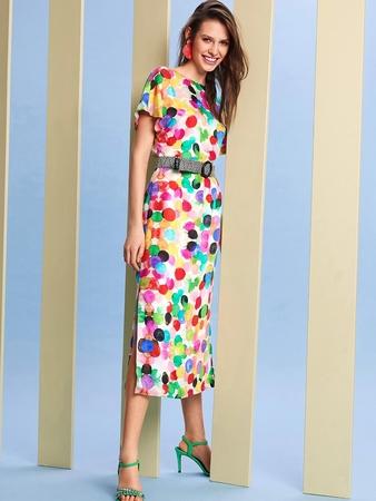 Платье с глубоким V-вырезом на спине