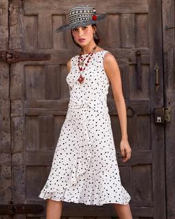 Платье с эффектной драпировкой