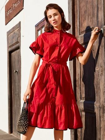 Платье с пышными оборками