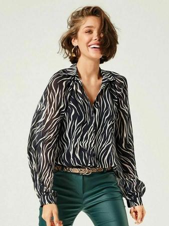 Блузка-рубашка с пышными рукавами