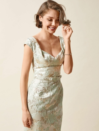 Платье-футляр из жаккарда