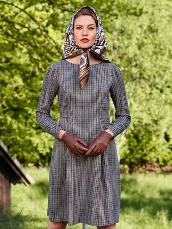 Платье с юбкой «колокол»