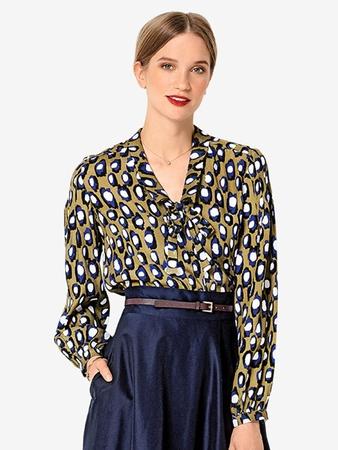 Блузка с отложным воротничком