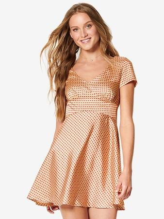 Мини-платье приталенного силуэта